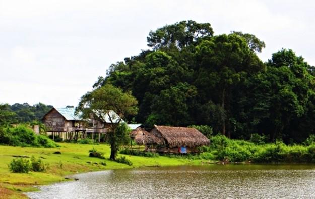 Nha san cua nguoi M'Nong